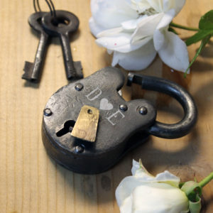 Antique Love Lock with Keys | D Heart E