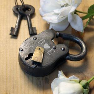 Antique Love Lock with Keys   D Heart E
